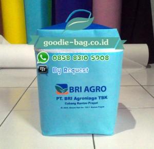 Goody Bag Bank / Goodie Bag Resleting / Tas Souvenir Bank