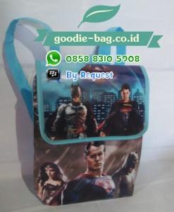 Tas Ultah Anak Batman Vs Superman Gendong