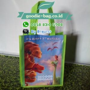 Tas Ultah The Good Dinosaur / Tas Ulang Tahun Dinosaurus Yang Baik