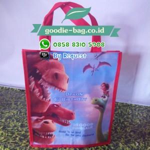 Tas Ultah Good Dinosaur