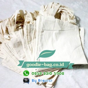 Goodie Bag Blacu / Tas Blacu